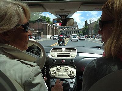 Letzte Autofahrt beim Colosseum-web