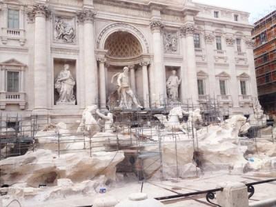 Fontana di Trevi - der Trevibrunnen in Rom